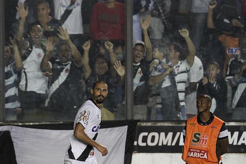 Douglas Silva fez o gol salvador do Vasco e decretou empate com o Bragantino
