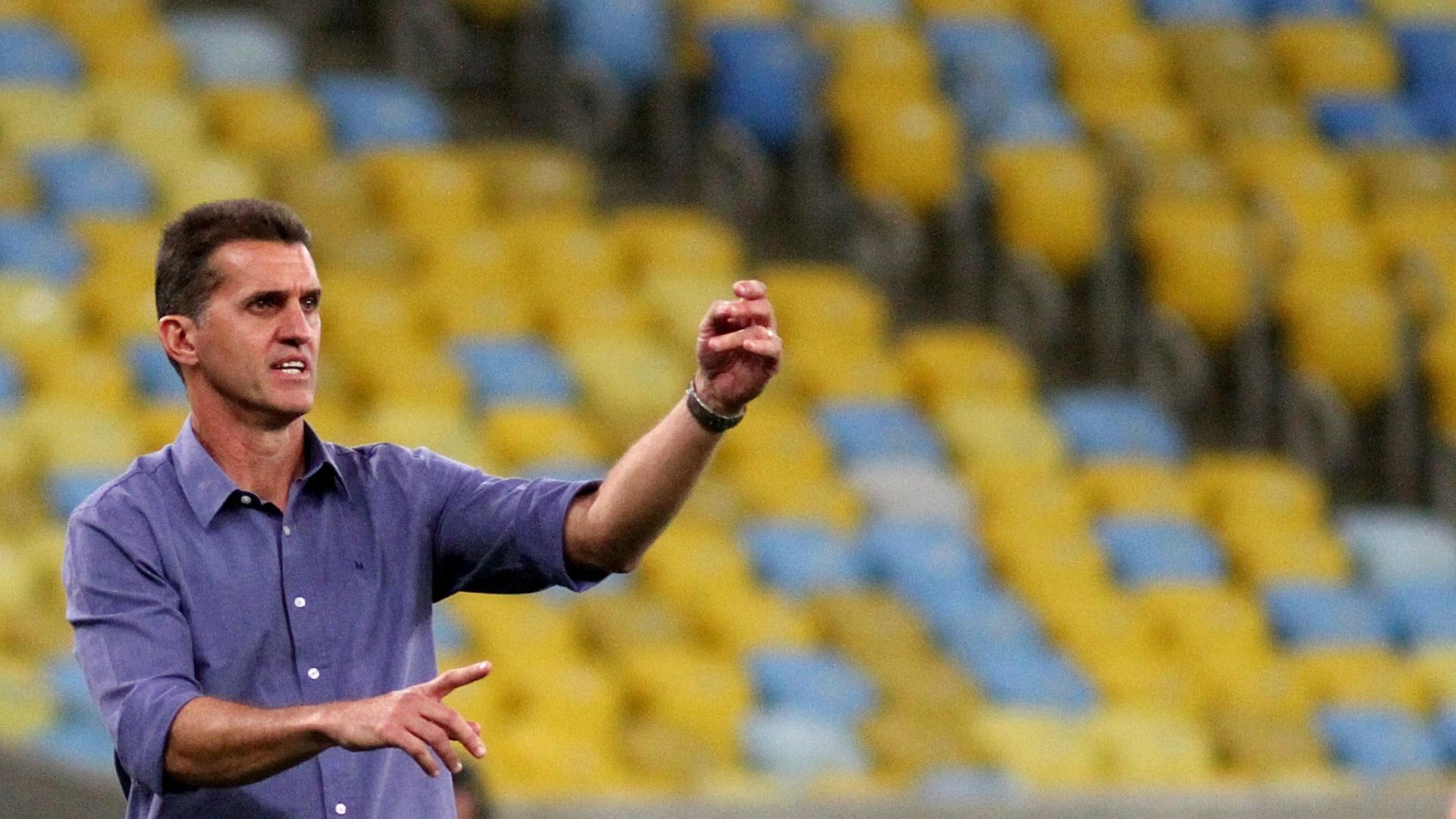 Vagner Mancini orienta elenco do Botafogo