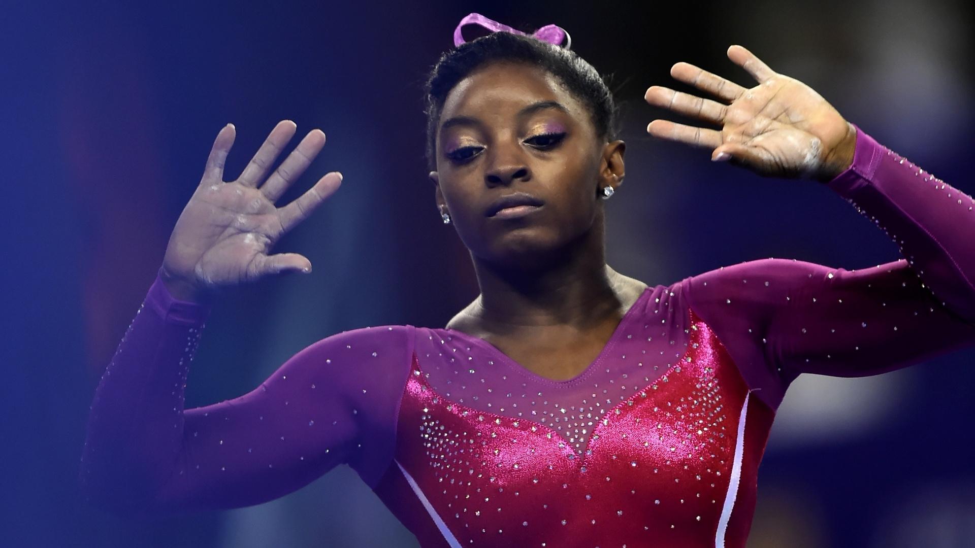10.out.2014 - Simone Biles, dos EUA, conquistou o bi mundial no individual geral da ginástica olímpica
