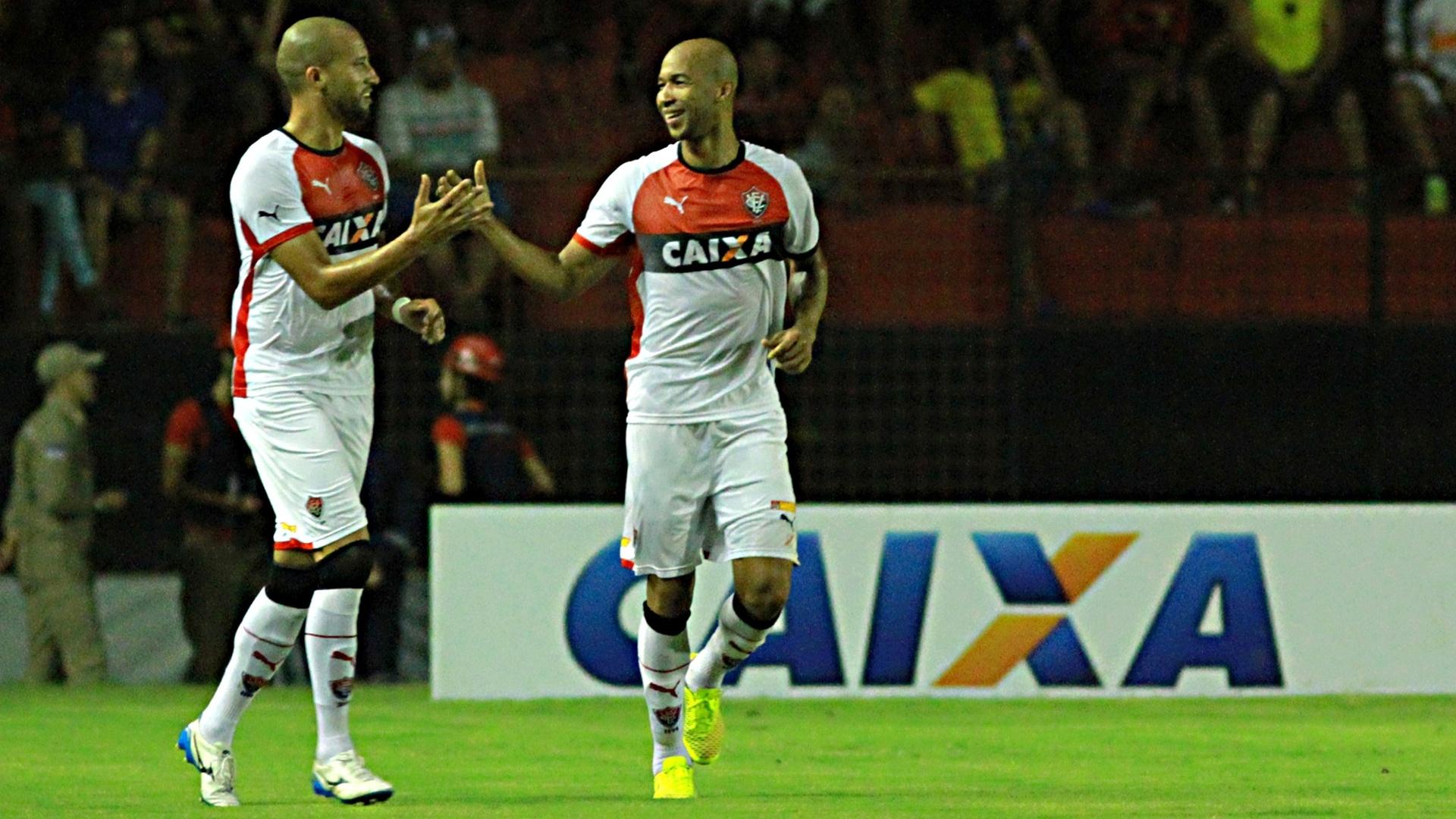 Dinei fez o gol que definiu o triunfo do Vitória no Brasileiro