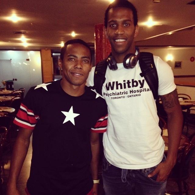 Elias e Gil chegam a Belo Horizonte para Corinthians x Atlético-MG