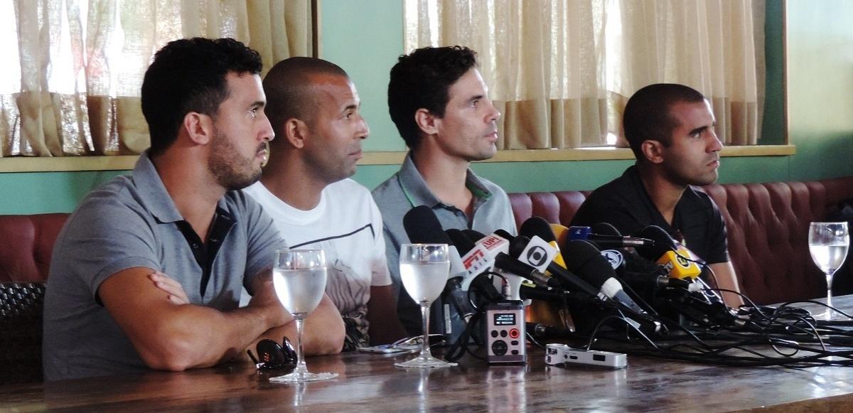 Jogadores demitidos do Botafogo dão entrevista coletiva no Rio de Janeiro