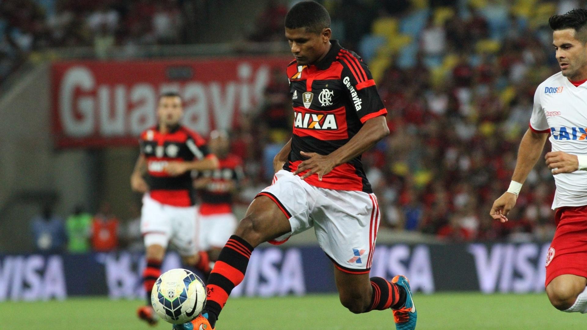 http://imguol.com/c/esporte/2014/10/15/marcio-araujo-domina-bola-em-partida-da-copa-do-brasil-1413423642235_1920x1080.jpg