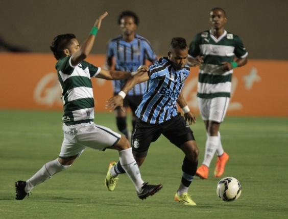 Em jogo sonolento, Grêmio apenas empata com Goiás fora de casa