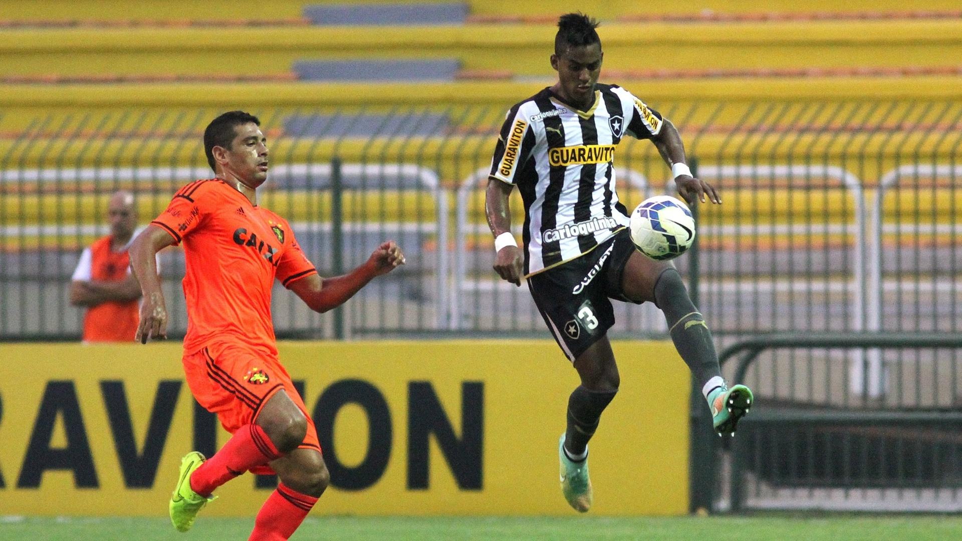 Dankler escapa de Diego Souza e domina a bola