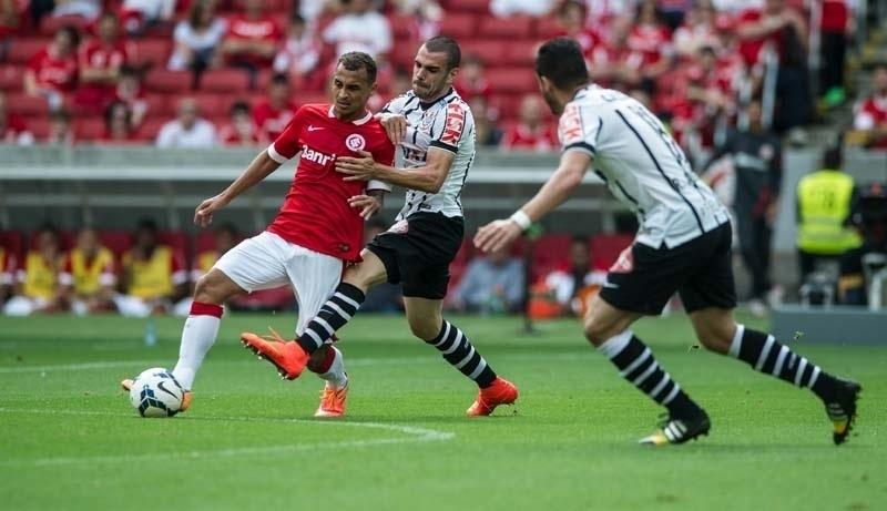 Internacional e Corinthians se encontraram no Estádio do Beira-Rio, em Porto Alegre