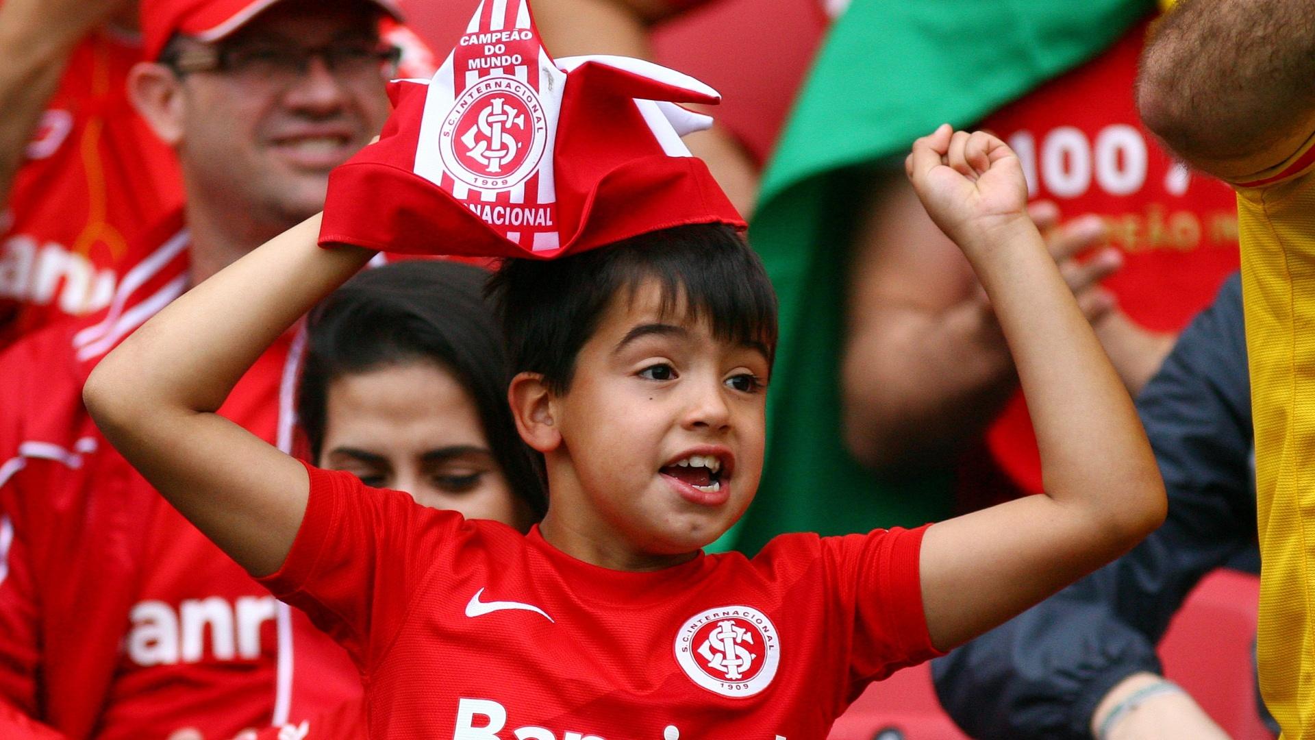 Torcedores do Internacional foram ao Beira-Rio para empurrar o time contra o Corinthians