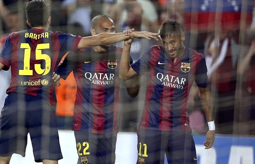 Neymar comemora gol do Barcelona contra o Ajax na Liga dos Campeões