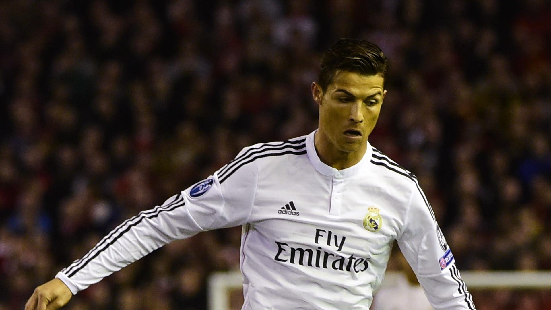 Cristiano Ronaldo em ação pelo Real Madrid pela Liga dos Campeões