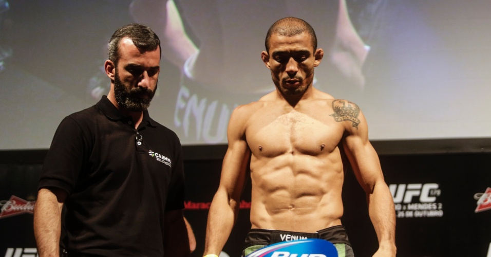José Aldo não atinge o peso no UFC Rio 5 e precisa tirar a roupa após primeira pesagem
