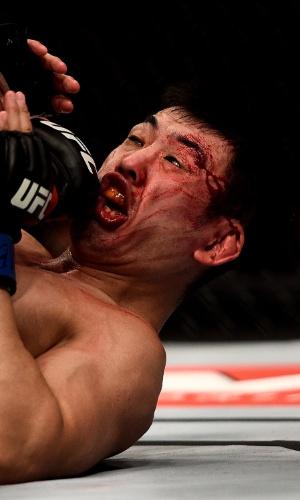 Japonês Naoyuki Kotani leva soco de Yan Cabral no card preliminar o UFC Rio 5