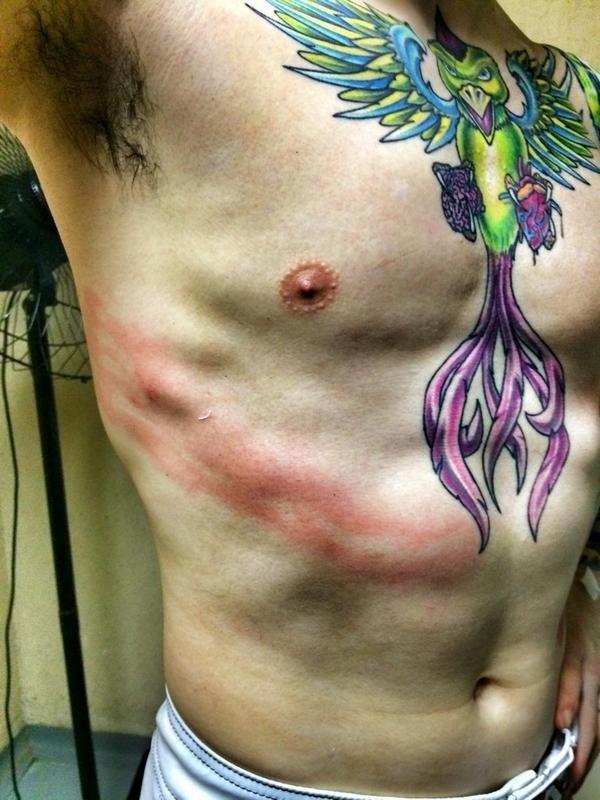 Scott Jorgensen mostra machucado causado por Wilson Reis em luta do UFC 179