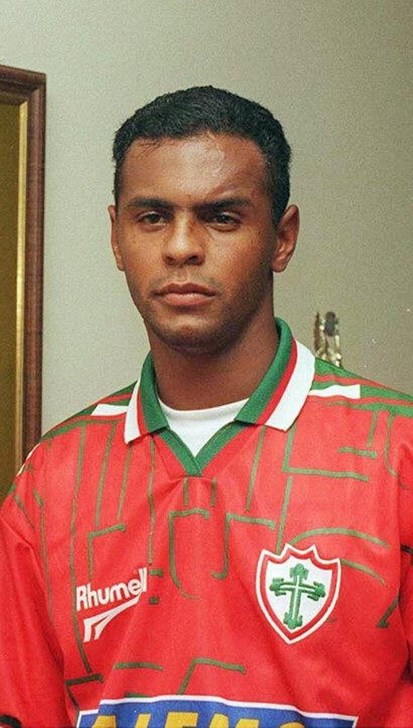 Moacir, ex-Corinthians e Atlético-MG, hoje vive em Belo Horizonte com banda e transportadora