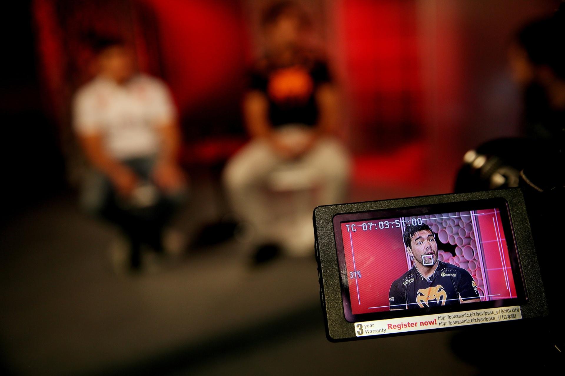 29. out. 2014 - Lyoto Machida e Renan Barão no estúdio do UOL para entrevista exclusiva. Os dois têm lutas no UFC Barueri, em dezembro