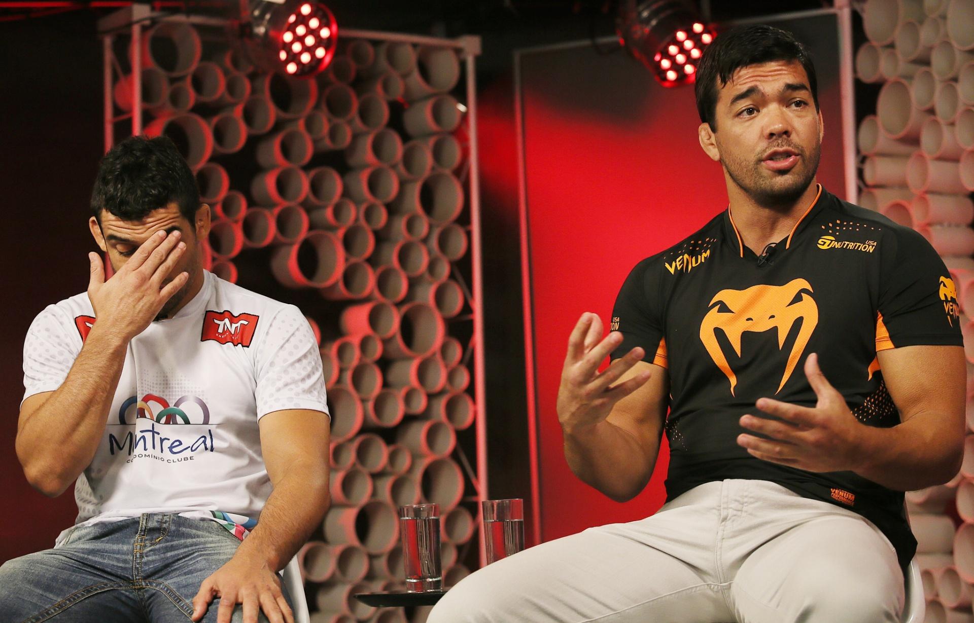 29. out. 2014 - Lyoto Machita gesticula durante entrevista ao UOL Esporte