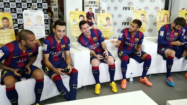 Neymar, Messi e jogadores do Barcelona disputam partida de Fifa 15