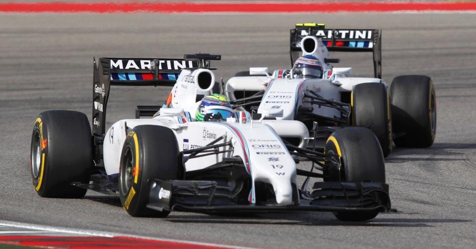 Felipe Massa, da Williams, guia na frente do companheiro de equipe Valteri Bottas, no GP dos EUA