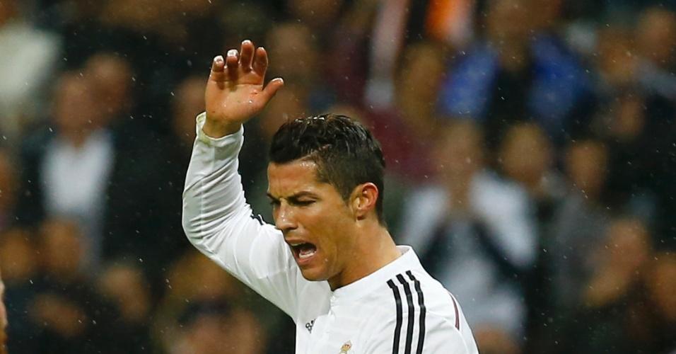 Cristiano Ronaldo lamenta chance desperdiçada na partida do Real Madrid contra o Rayo Vallecano