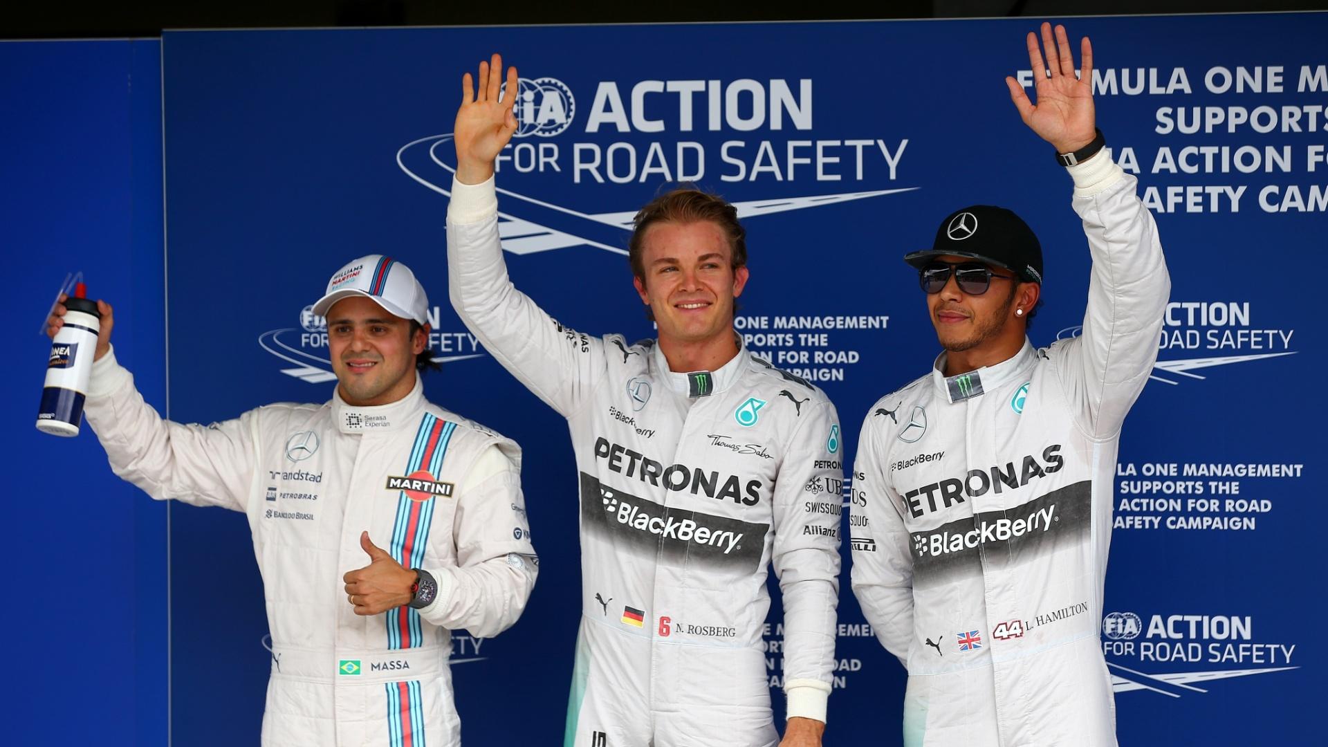 Massa (à esq.), Rosberg e Hamilton (á dir) posam para fotos após o treino classificatório
