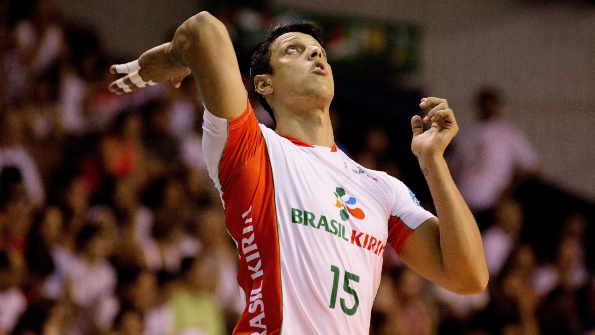 Michael em ação pelo Vôlei Brasil Kirin, de Campinas