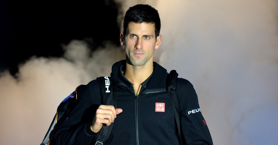 Djokovic entra em quadra para jogo contra Tomas Berdych nas Finais da ATP