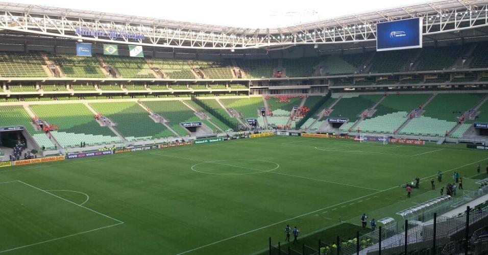 Arena Palestra antes do começo da partida