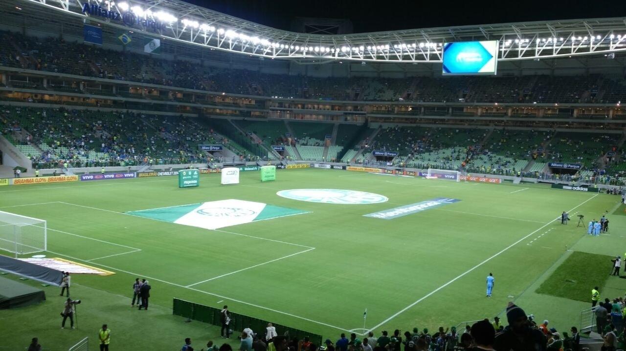 Patrícia mostra sua visão da Arena Palestra na inauguração do estádio