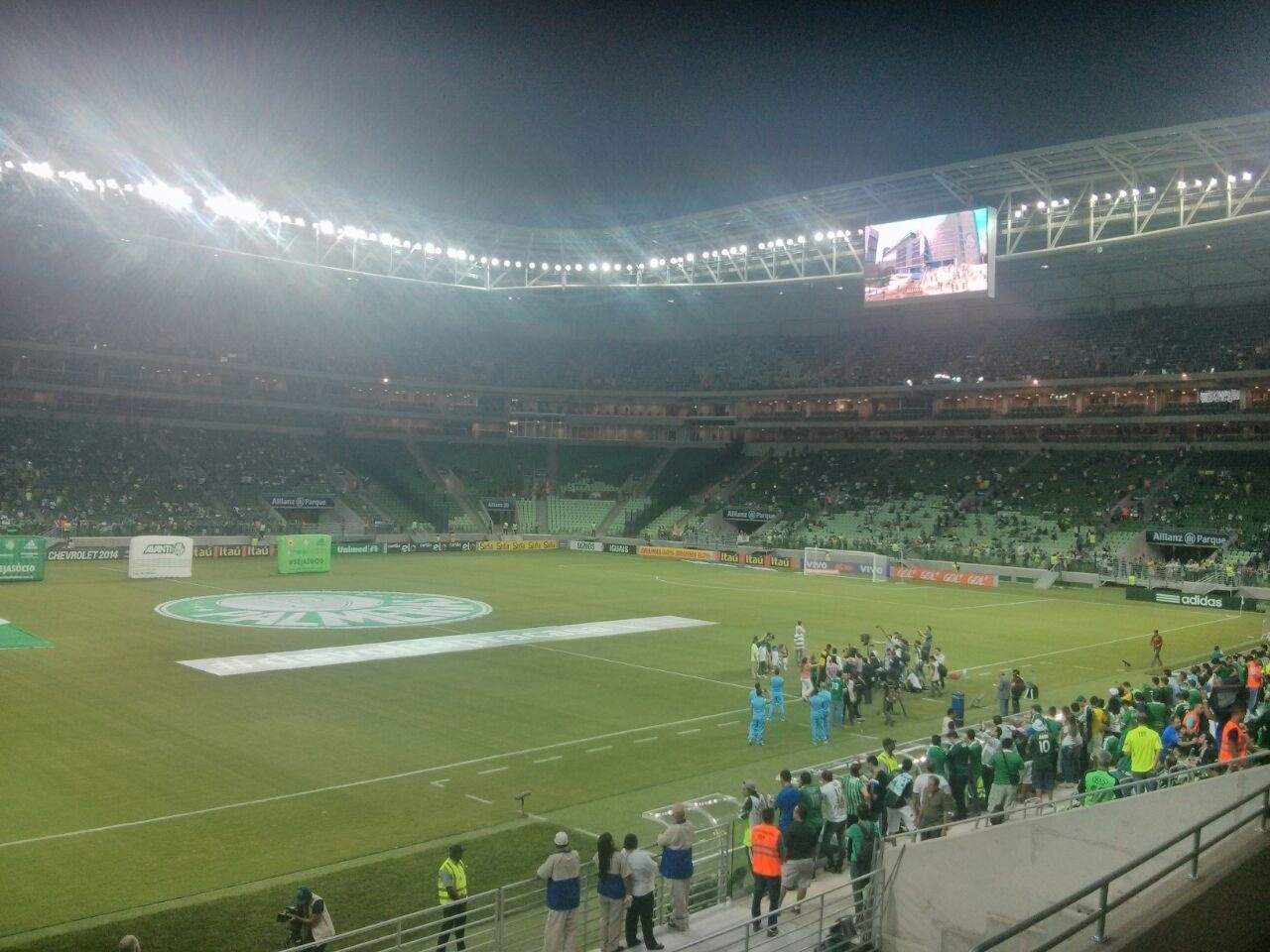 Torcedor do Palmeiras mostra sua visão no interior da Arena Palestra
