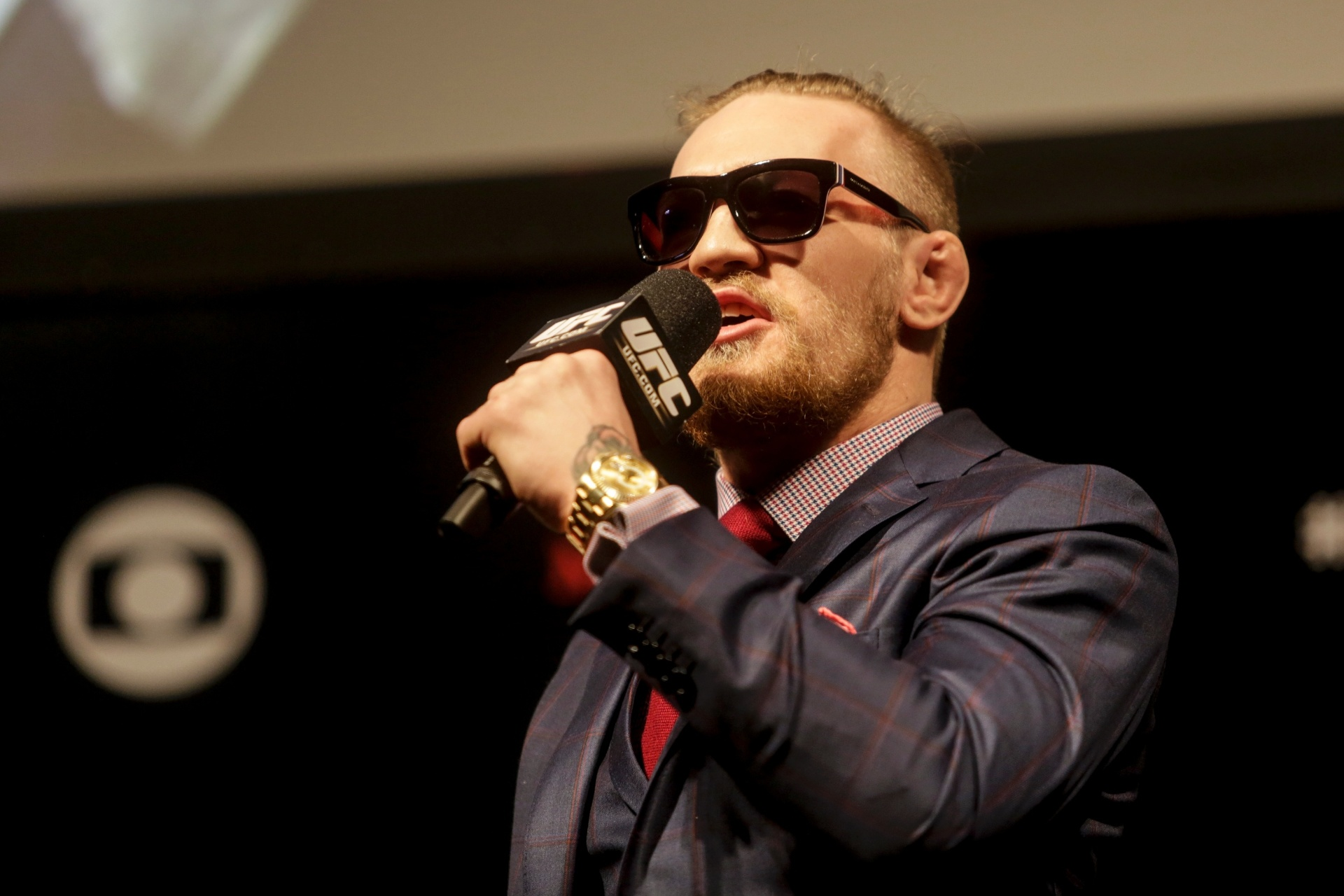Conor McGregor em evento no Brasil que bateu boca com fãs