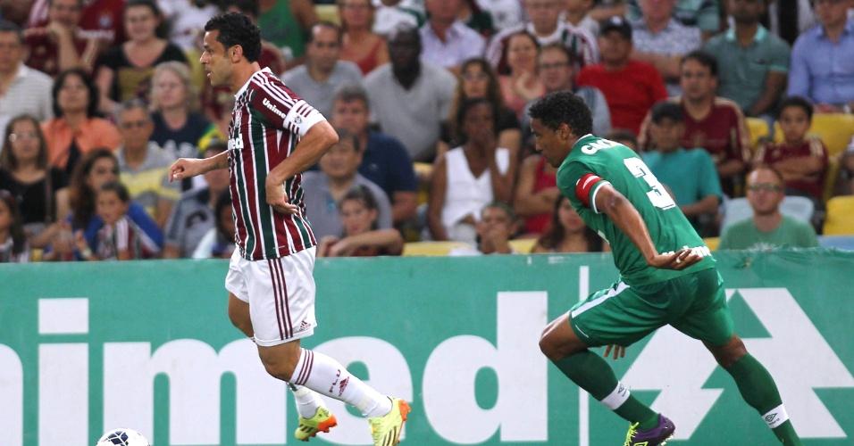 Fred tenta ataque para o Fluminense no duelo com a Chapecoense