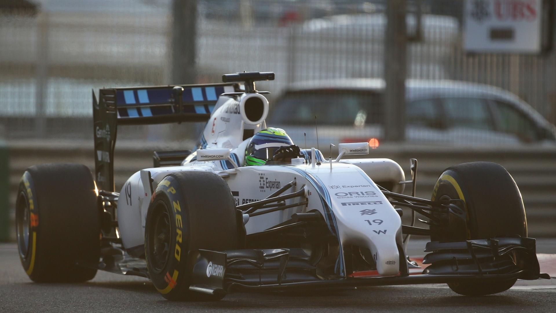Com a noite já caindo sobre o circuito em Abu Dhabi, Felipe Massa disputa o treino classificatório e fica com a quarta posição. Ele perdeu o terceiro posto para o companheiro Bottas nos instantes finais da sessão