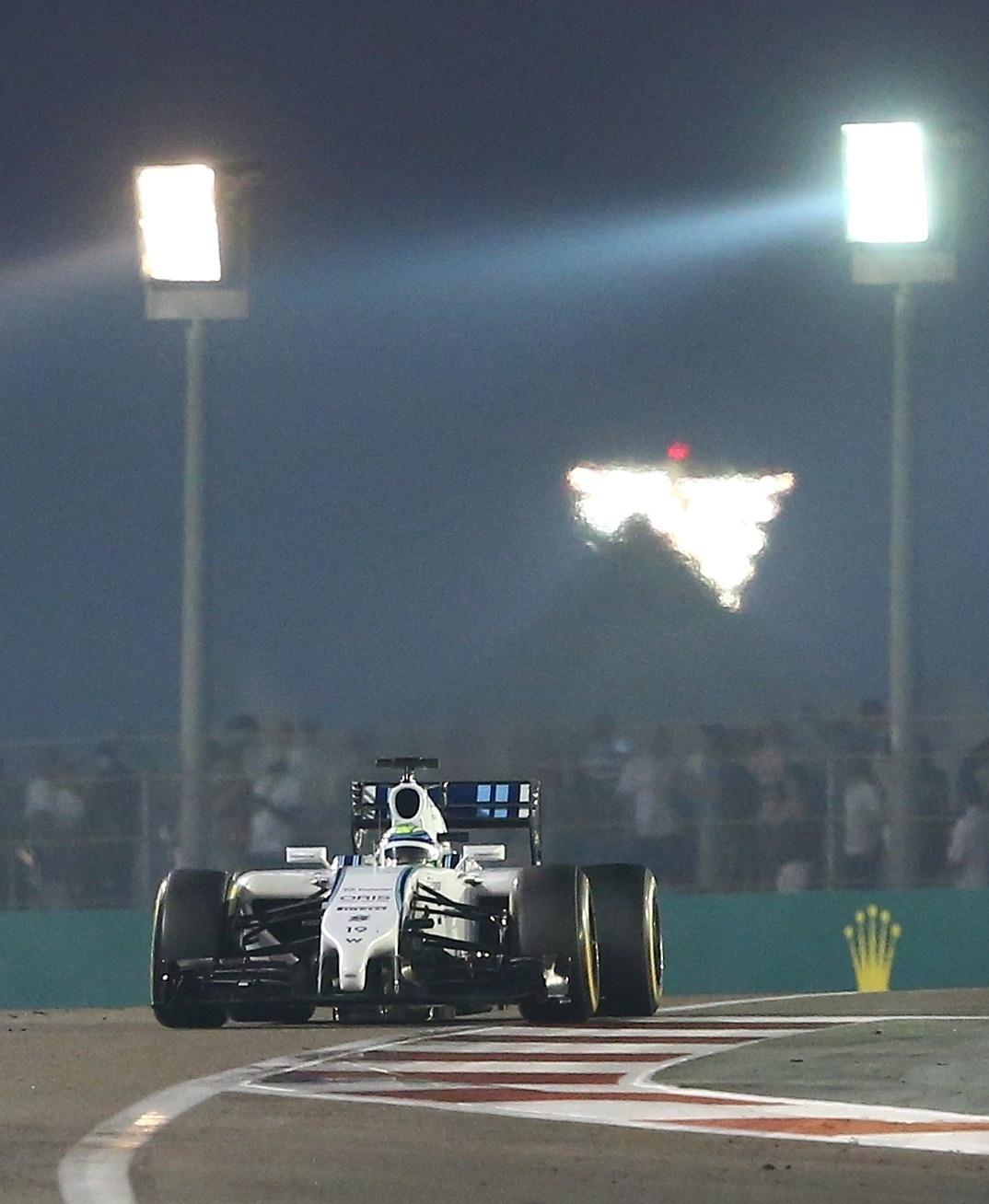 Felipe Massa passou Bottas na largada e se manteve próximo das Mercedes, em terceiro lugar. A equipe rival teve problemas, e ele chegou a liderar, mas precisou fazer uma parada. No fim, foi segundo colocado, apertando Hamilton, o campeão mundial de 2014