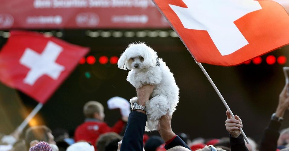 Até cachorro foi levado para a celebração que aconteceu em Lausanne, cidade natal de Stanislas Wawrinka