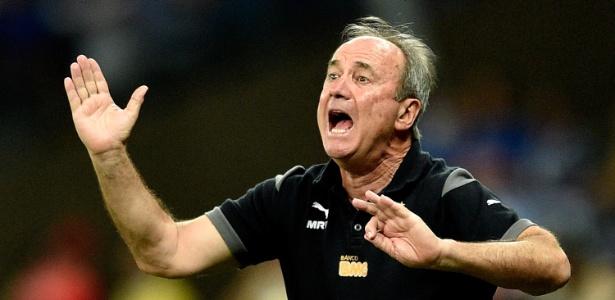 Levir Culpi ainda não conseguiu fazer o Atlético-MG jogar bem na temporada 2015