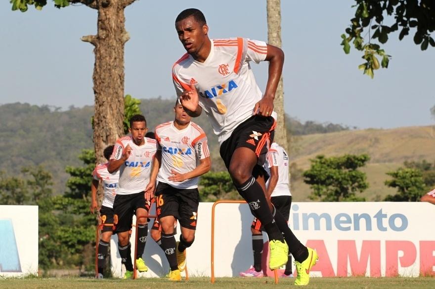 O equatoriano Frickson Erazo treina pelo Flamengo no CT Ninho do Urubu