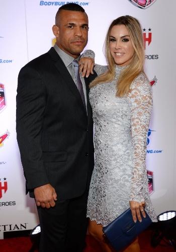 Vitor Belfort e Joana Prado em entrega de prêmio de MMA em fevereiro