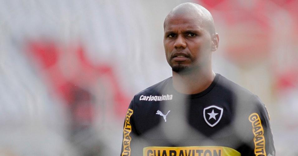 Jefferson durante treinamento do Botafogo no Engenhão