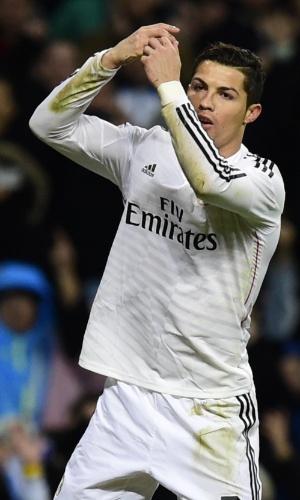 Cristiano Ronaldo comemora após marcar de pênalti o gol do Real Madrid