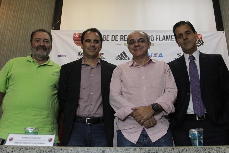 09 dez. 2014 - Presidente Eduardo Bandeira de Mello apresenta Rodrigo Caetano como novo diretor de futebol do Flamengo