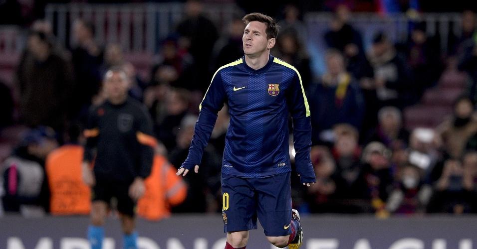 Messi durante aquecimento antes do jogo do Barcelona na Liga dos Campeões