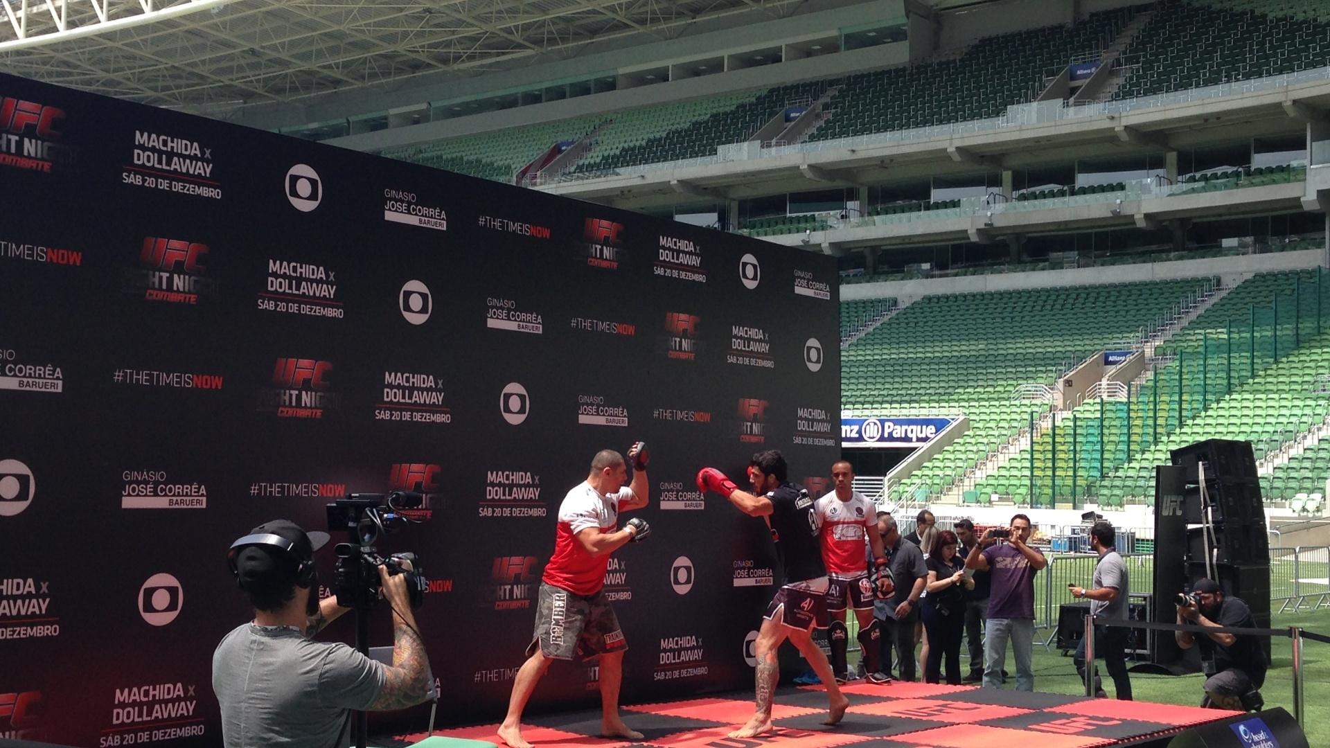 Elias Silvério realiza treino aberto para a luta contra Rashid Magomedov no UFC Barueri