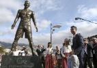 Estátua de C. Ronaldo é depredada em Portugal com nome de Messi