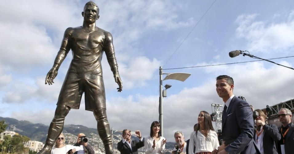Cristiano Ronaldo ganhou estátua de 800 kg em região onde nasceu em Portugal