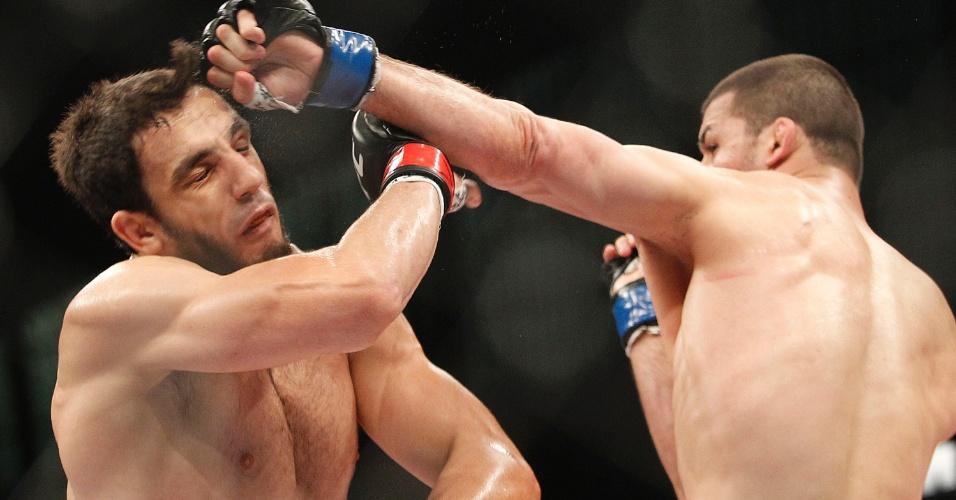 O brasileiro Elias Silvério encarou o russo Magomedov no UFC Barueri