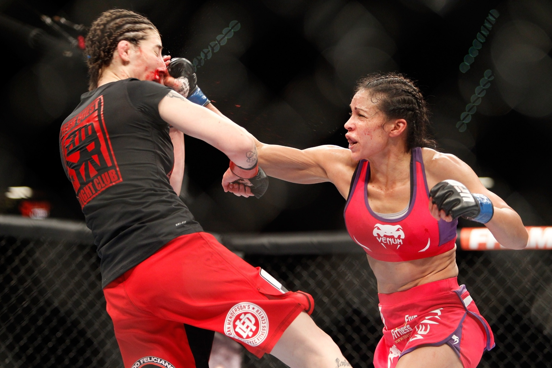 Marion Reneau castiga Alexis Dufresne na primeira luta do card preliminar do UFC 182.