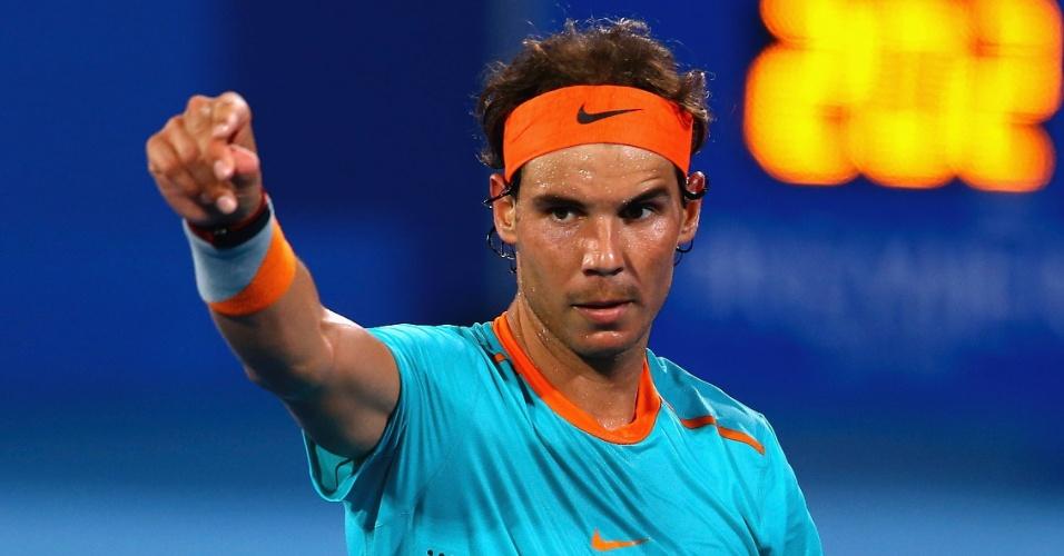 Nadal comemora vitória contra Wawrinka em Abu Dhabi