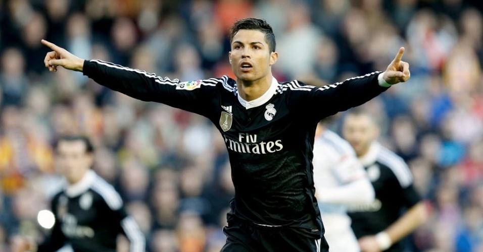 Cristiano Ronaldo comemora gol de pênalti contra o Valencia