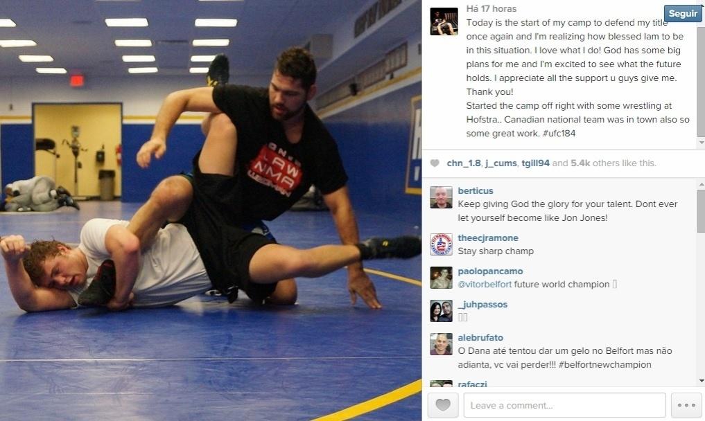 06. jan. 2014 - Chris Weidman volta a treinar após quebrar a mão