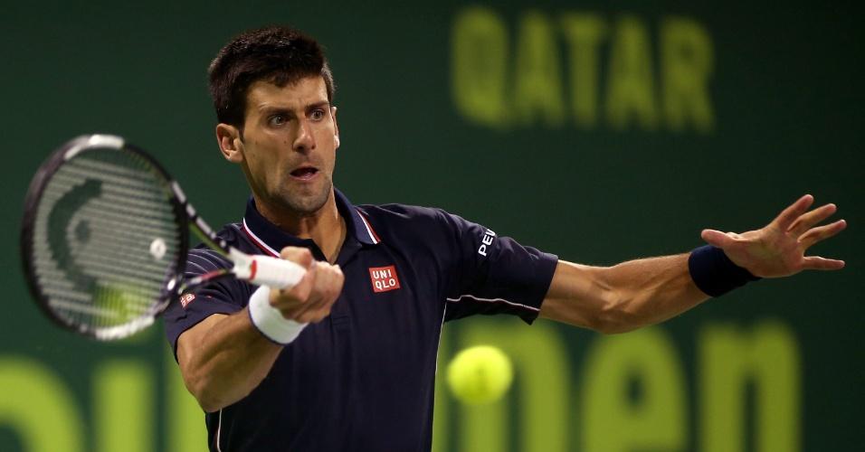 06.jan.2015 - Novak Djokovic enfrenta Dusan Lajovic pelo Torneio de Doha