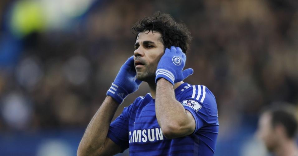 Diego Costa faz gesto curioso durante jogo do Chelsea pelo Inglês